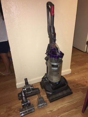 Dyson Animal DC30 Upright Vacuum for Sale in Fresno, CA