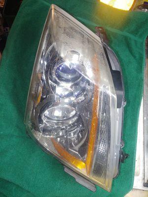 08-14 Cadillac CTS RF Headlight assy needs work for Sale in Mount Ephraim, NJ