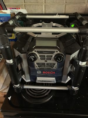 Bosch work site radio with subwoofer sounds amazing for Sale in Laveen Village, AZ