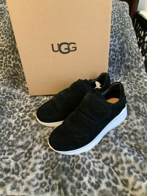 Woman uggs sneakers size 8 for Sale in The Bronx, NY