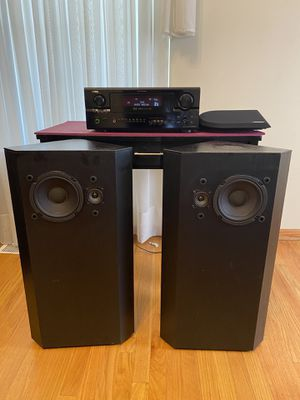 Denon receiver with Bose stereo floor/tower speakers for Sale in Aurora, IL
