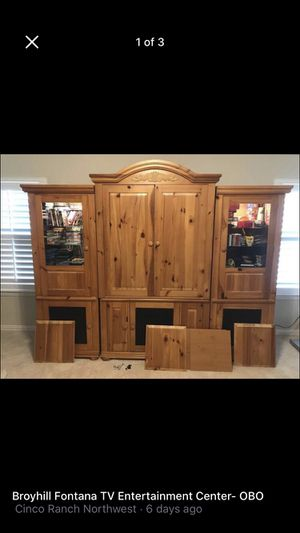 $200 OBO - Broyhill Fontana Entertainment Ser- Most of these units only came with the center unit. This one has the two matching side cabinets. Glass for Sale in Katy, TX
