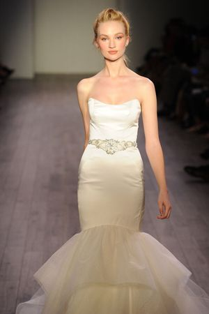 NEW Wedding Dress for Sale in Raleigh, NC
