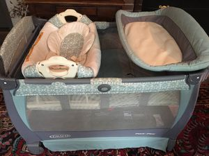 Graco pack and play with bassinet diaper change table for Sale in Falls Church, VA