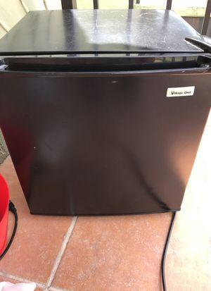 Magic chef fridge for Sale in Miami, FL