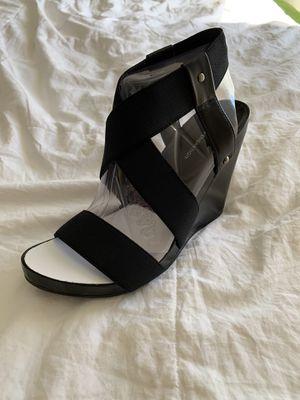 BCBG shoe Elastic Strap NEW size 6.5 for Sale in Las Vegas, NV
