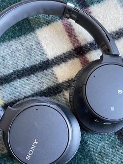 LIKE NEW - Sony WH-CH700N Wireless Noise-Canceling Over-Ear Headphones for Sale in Washington,  DC
