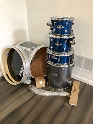 Pearl Drum Set - NEW for Sale in Columbus, OH