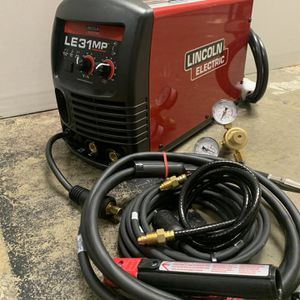 Lincoln Electric Welder Le31mp 118815 for Sale in Federal Way, WA