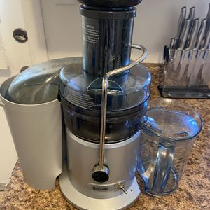 Breville The Juice Fountain for Sale in Riverside, CA