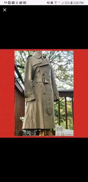 Burberry trench coat for men for Sale in Miami, FL