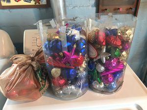 Lots of Christmas Ornaments great condition- FIRM PRICE for Sale in Chicago, IL