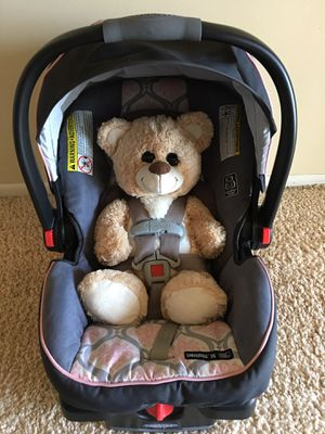 GRACO Car Seat with Base for Sale in St. Louis, MO