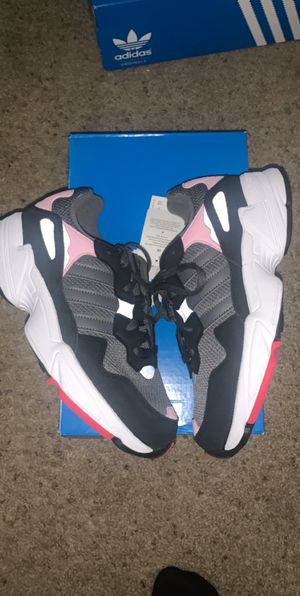 Adidas Yung 96 - J for Sale in Columbus, OH