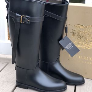 Burberry Roscot Riding Rain Boots for Sale in Englishtown, NJ