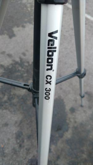 Velbon lightweight aluminum camera tripod CX 300 for Sale in Columbus, OH
