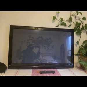 42 Inch Parasonic Viera Plasma Tv for Sale in Tacoma, WA