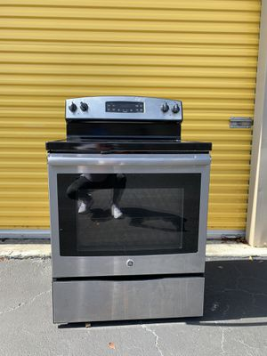 GE Kitchen Set Stove, microwave, refrigerator, dishwasher. Great condition. $800 for Sale in Fort Lauderdale, FL