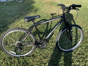 Roadmaster bike 18 speed good condition rides well for Sale in Miami, FL