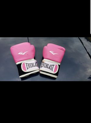 Pink everlast boxing gloves for Sale in Federal Way, WA
