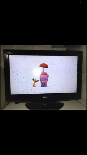 32 inch lg tv for Sale in South Bend, IN