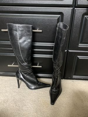 women's heel boots for Sale in Silver Spring, MD