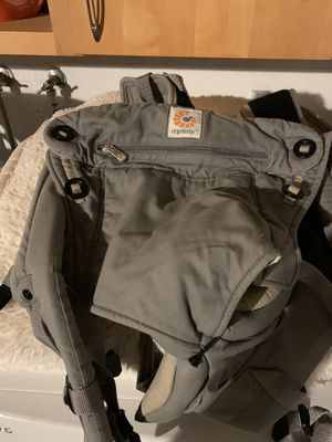 Baby carrier Ergo-baby 360 with infant insert for Sale in San Diego, CA