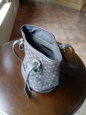 Authentic Louis Vuitton Hand Bag for Sale in Washington, DC