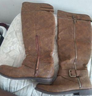 Free boots size 7.5 women for Sale in Atlanta, GA