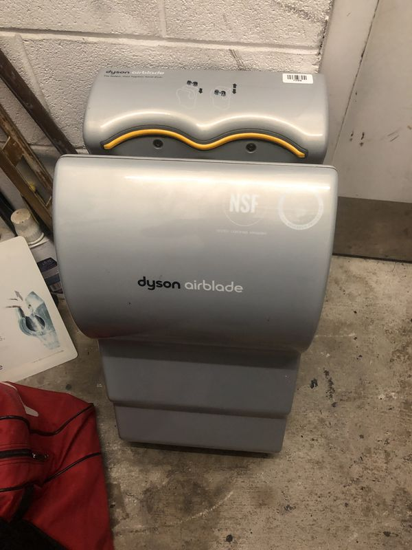 Dyson hand drier almost new.