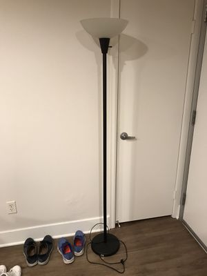 Floor lamp for Sale in Long Beach, CA