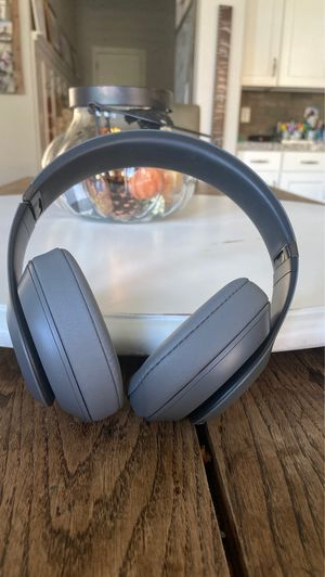 Beat studio 3 wireless for Sale in Mesa, AZ