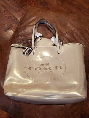 COACH leather bag Tote + Wristlet for Sale in Plano, TX