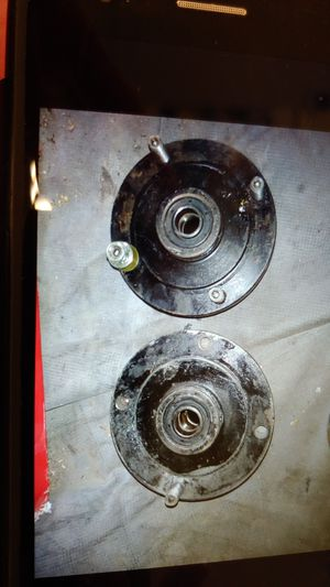 ISO FRONT GRIZZLY ROTORS WITH LUGS NOYT STRIPPED for Sale in Pittsburgh, PA