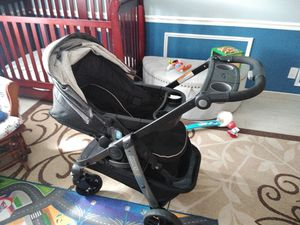 Graco Modes LX bassinet/ car seat/ toddler stroller original is over $400 for Sale in Coral Springs, FL