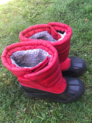 Very nice and warm kids snow boots size 3 for Sale in Battle Ground, WA