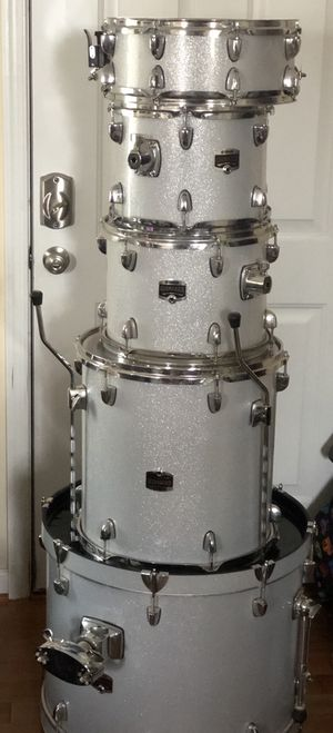 Full 5 Piece Yamaha Gigmaker Drum Kit for Sale in Camp Springs, MD