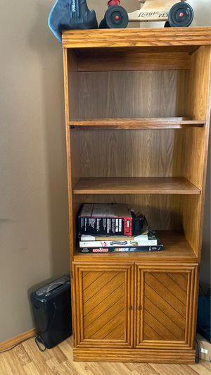 Book shelf with light for Sale in West Richland, WA