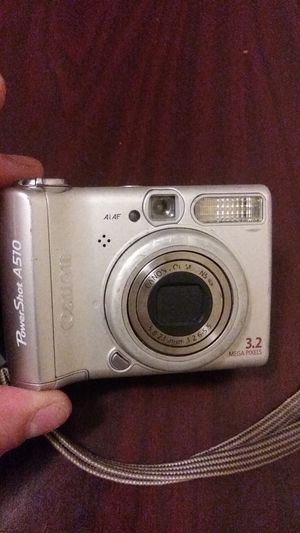 Canon powershot with 32g sd card for Sale in Twinsburg, OH