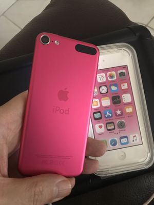 PINK 6th Generation iPod Touch 32GB LIKE NEW LOADED with EXTRAS $140 for Sale in Hialeah, FL
