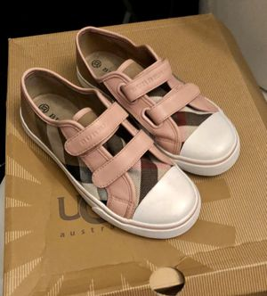 Burberry authentic size 33 for Sale in Cincinnati, OH