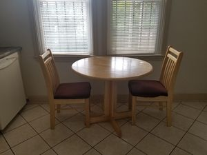 Kitchen table and chair set for Sale in Boston, MA