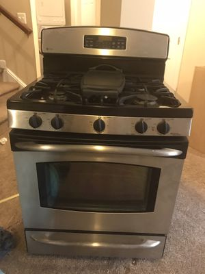 Gas stove for Sale in Haymarket, VA