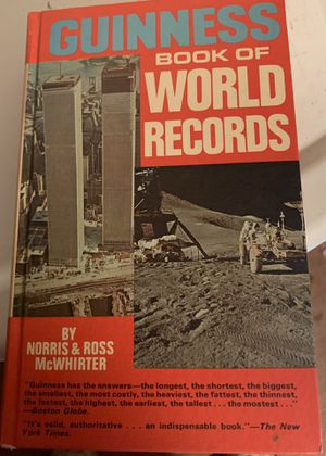 GUINNESS BOOK OF WORKD RECORDS- HARDBACK for Sale in Palm Bay, FL
