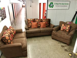 Beautiful 3 piece sofa set $475 for Sale in Gaithersburg, MD