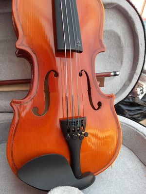 """Child's violin. 17"""" long. Canvas and molded foam case. for Sale in San Leandro, CA"""