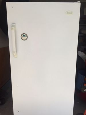 Frididaire upright freezer for Sale in Arlington Heights, IL