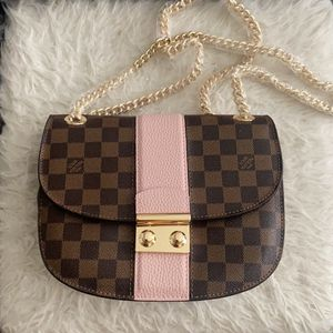 Louis Vuitton Crossbody for Sale in Irvine, CA
