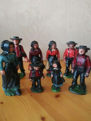 Vintage Cast Iron Amish Family ( Lot of 8 ) for Sale in Wilmington, CA