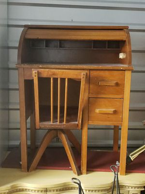 Small Antique Desk & Chair for Sale in Phoenix, AZ